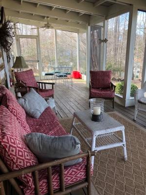 Lakestone porch